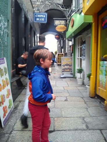 A child in Temple Bar?! Jude makes himself at home in Boho quarter