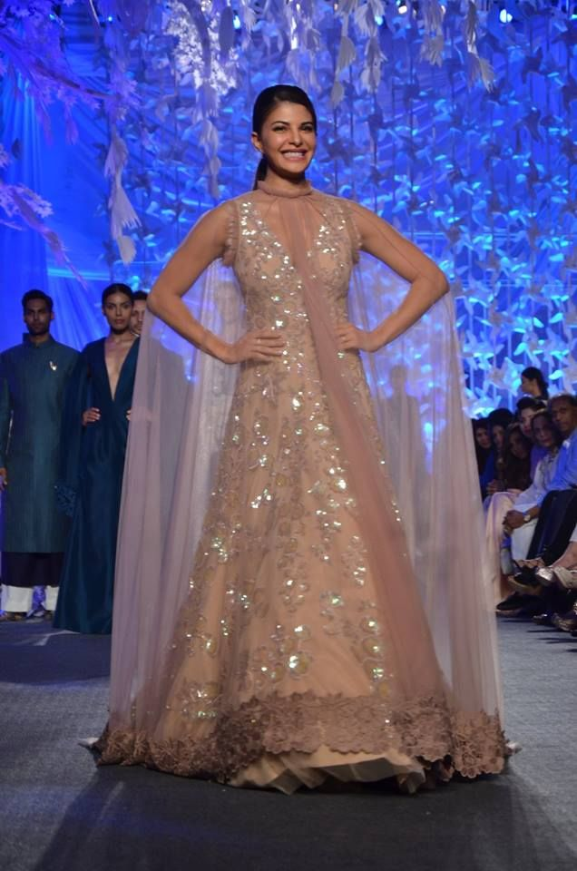 Bahraini-Sri Lankan actress and former model, Jacqueline Fernandez rocking an elegant cape.
