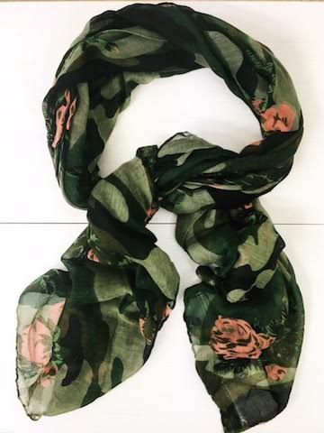 wardrobe wilderness scarf